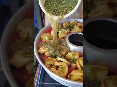 Tortellini Auflauf mit Sommergemüse und Pesto aus dem OMNIA
