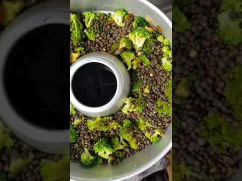 One Pot Brokkoli Pasta mit Linsen aus dem Omnia Backofen
